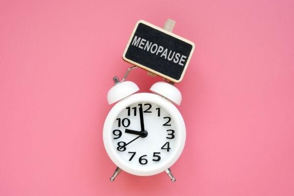 sintomi iniziali della menopausa e età in cui si presenta